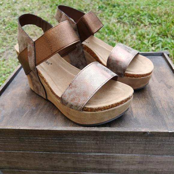 97bceb8c29bae Pierre Dumas Shoes | Women Platform Wedge High Heel Rustic Brown ...